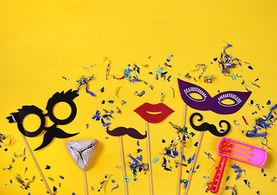 shutterstock 558863125 383x544 1 3, חנות צעצועים, יצירות, צעצועים לתינוקות, משחקים לבנות